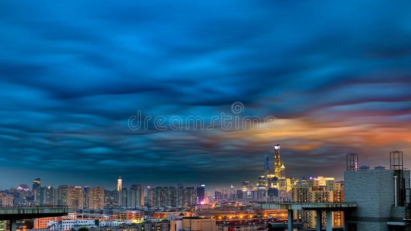 Die merkwürdigen Wolken stockfoto