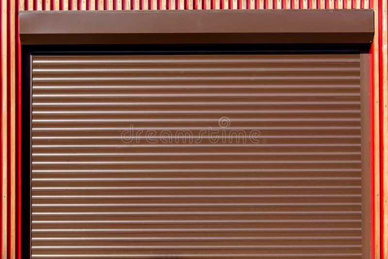 Die Metallrollenfensterläden stockfotos
