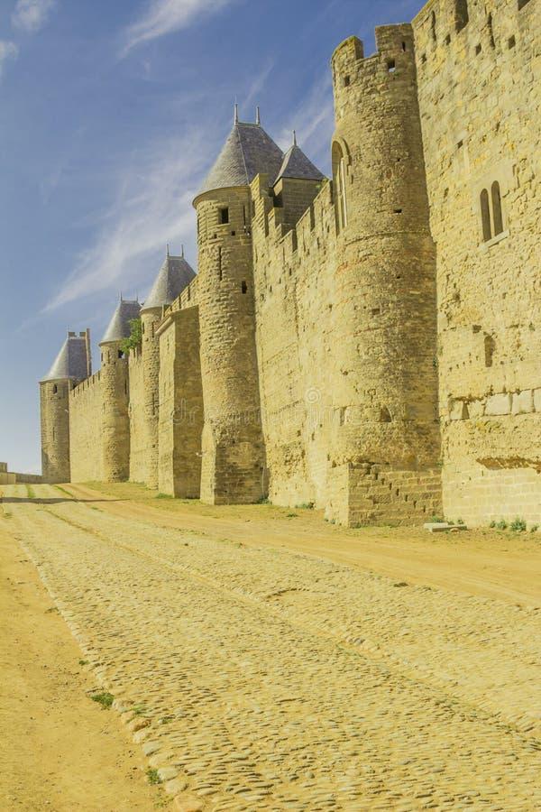 Die mittelalterliche Festung von Carcassonne stockfotografie