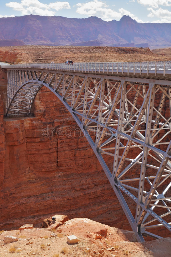 Die moderne Brücke über dem Kolorado-Fluss lizenzfreie stockbilder