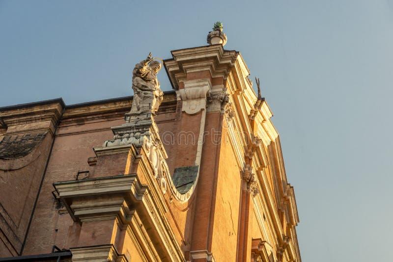 Die Nahaufnahme auf dem Detail der Architektur im Bologna, Italien lizenzfreies stockbild