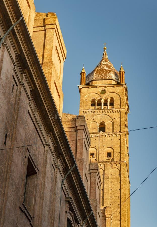 Die Nahaufnahme auf dem Detail der Architektur im Bologna, Italien stockbilder