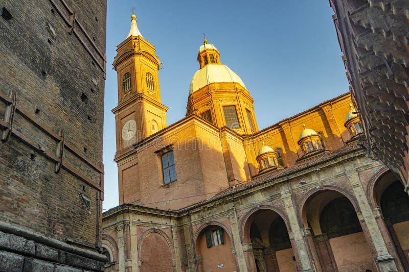 Die Nahaufnahme auf dem Detail der Architektur im Bologna, Italien lizenzfreie stockfotos