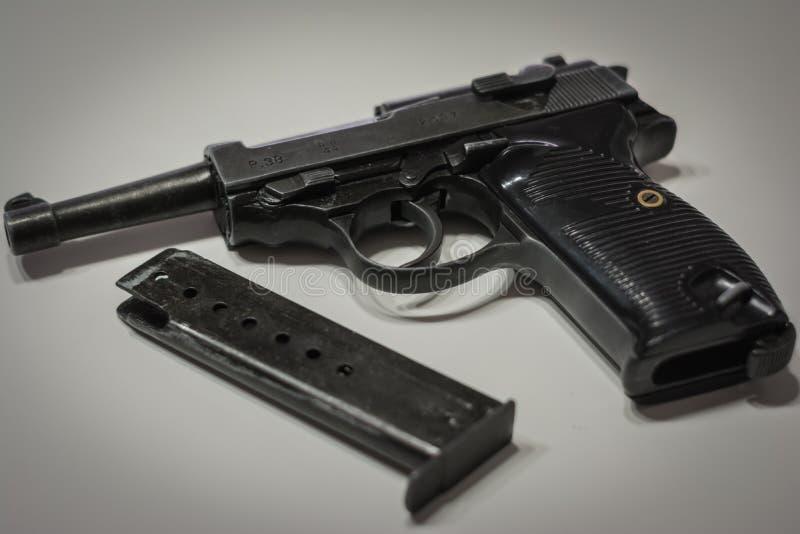 Die Nazi-militärische automatische Pistole Deutschlands von der Ära des Weltkriegs 2 lizenzfreie stockfotos