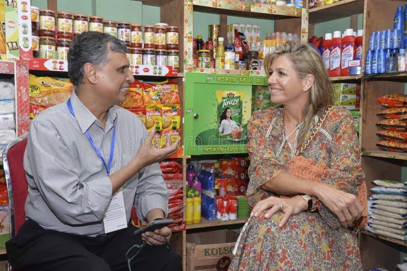 Die niederländischen Königin-Maxima: besuchtes ipay com BD-Speicher in Dhaka lizenzfreies stockfoto