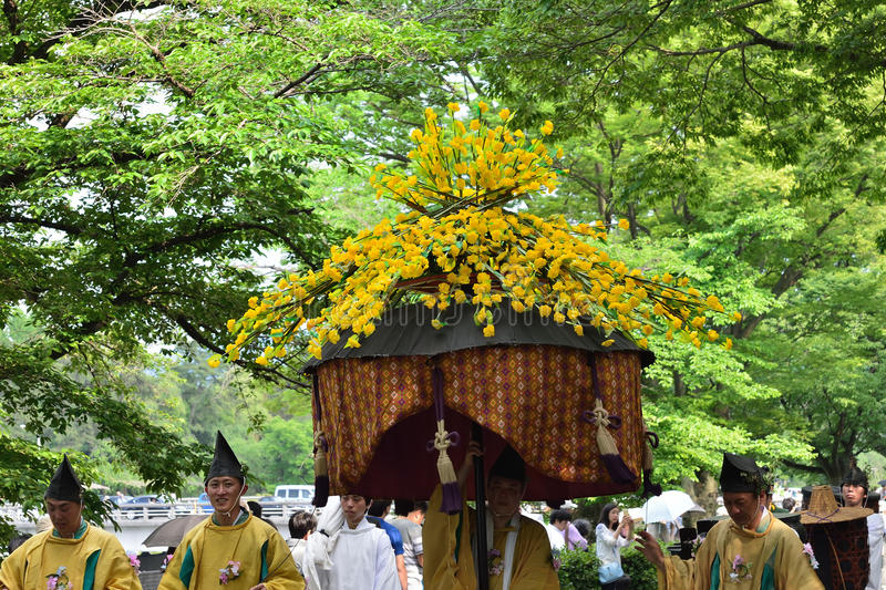Die Parade von Festival Kyotos Aoi, Japan stockbilder