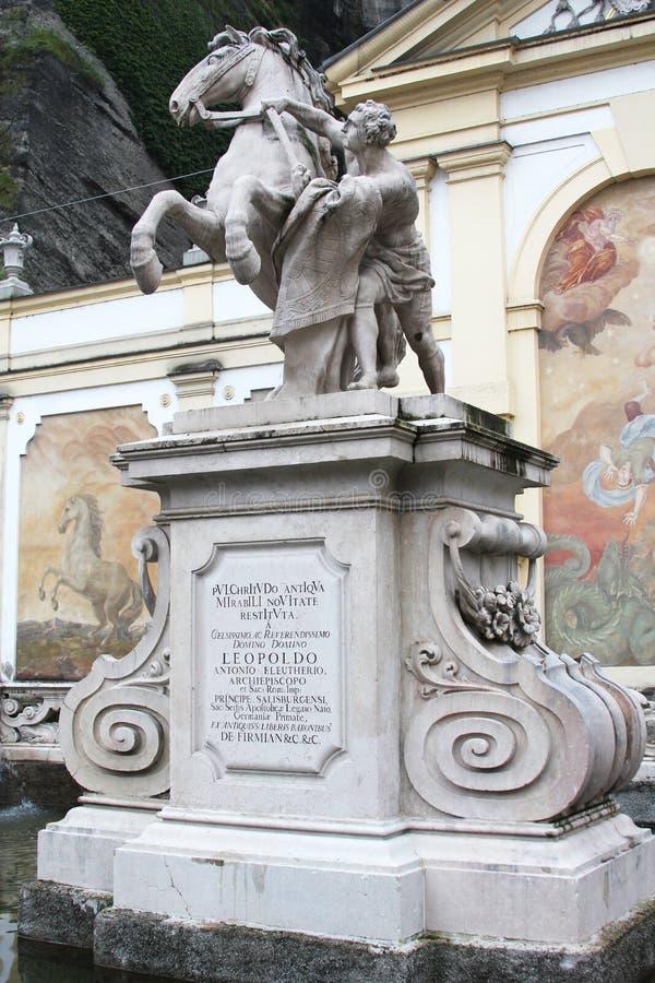 Die Pferdezahmere Statue am Pferd gut in Salzburg, Österreich lizenzfreies stockbild
