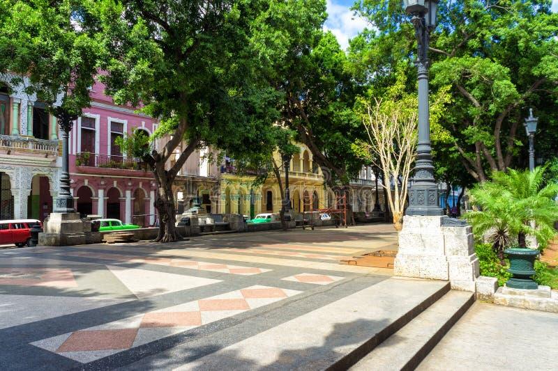 Die Prachtstraße von EL Prado in Havana stockbilder