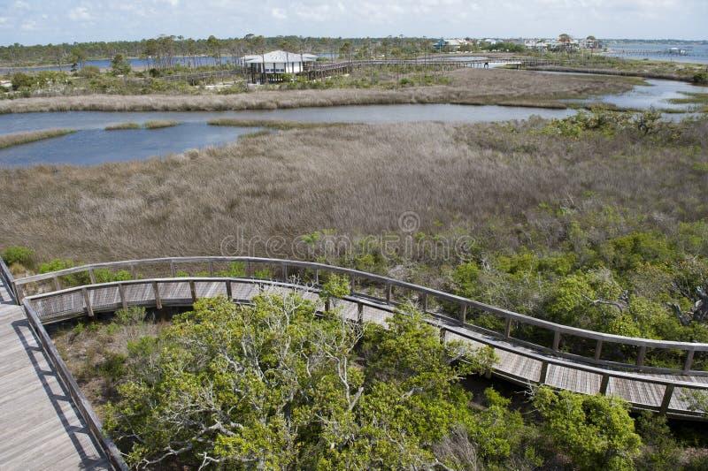 Die Promenade im Großen Lagunen-Nationalpark, der die Erholungsstätte am großen Lagunen-Nationalpark in Pensacola, Florida übersi stockbild