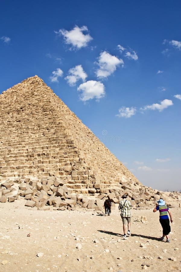 Die Pyramiden von Giseh lizenzfreie stockfotos