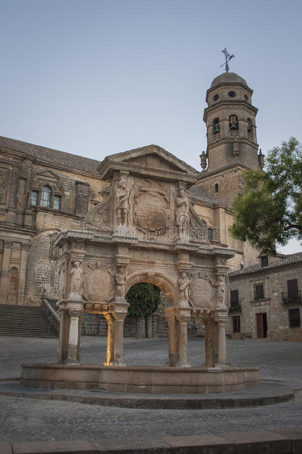 Die Quelle von Santa Maria lizenzfreie stockbilder