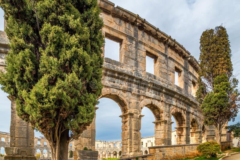 Die römische Arena in den Pula, Kroatien lizenzfreies stockbild