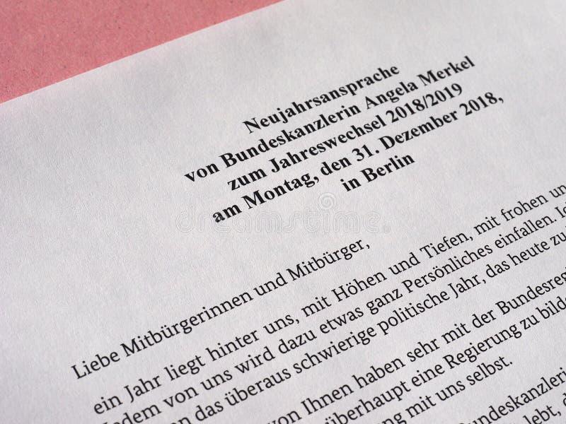 Die Rede des neuen Jahres vom deutschen Kanzler Angela Merkel stockbild