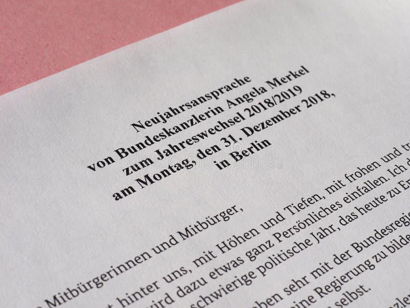 Die Rede des neuen Jahres vom deutschen Kanzler Angela Merkel stockfotografie