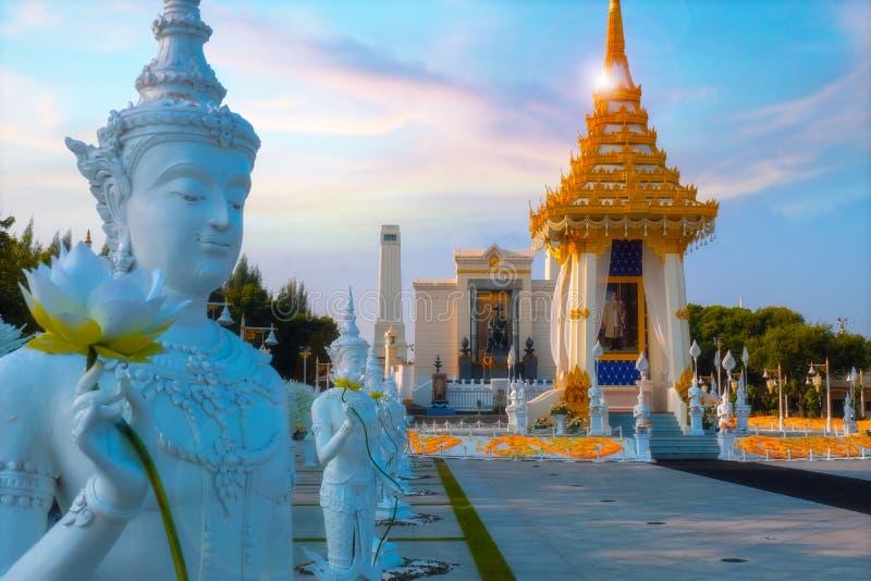 Die Replik des königlichen Krematoriums Seine Majestäts-späten Königs Bhumibol Adulyadej errichtet für das königliche Begräbnis a stockfotos