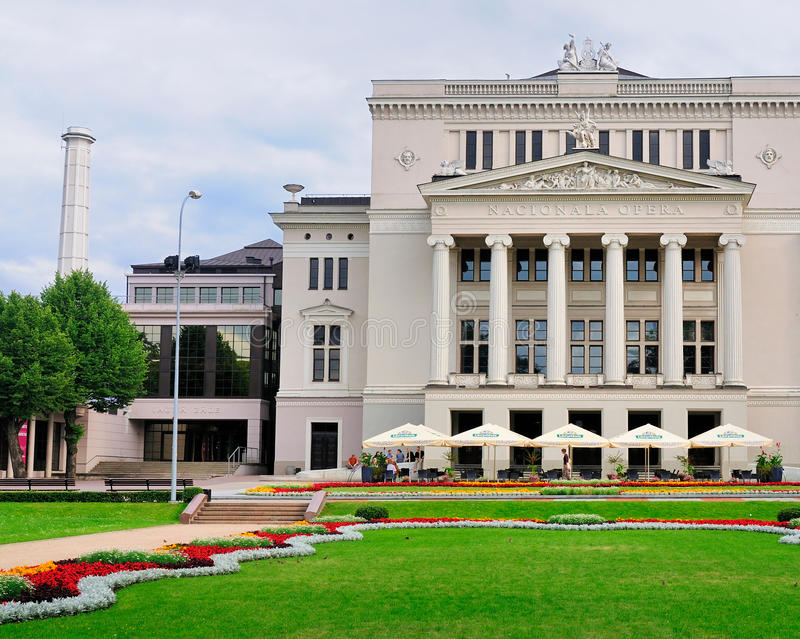 Die Riga-Oper lizenzfreie stockfotografie