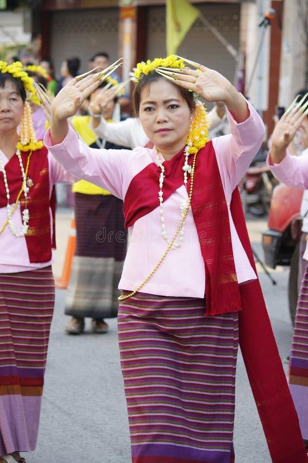 Die Ritualbadenzeremonie für Phra dieses Hariphunchai Chedi lizenzfreies stockbild