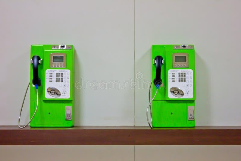 Die Rolle von bunten allgemeinen Telefonen stockfotos