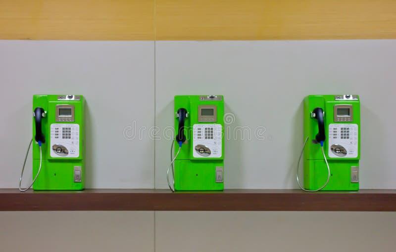 Die Rolle von bunten allgemeinen Telefonen stockfotografie