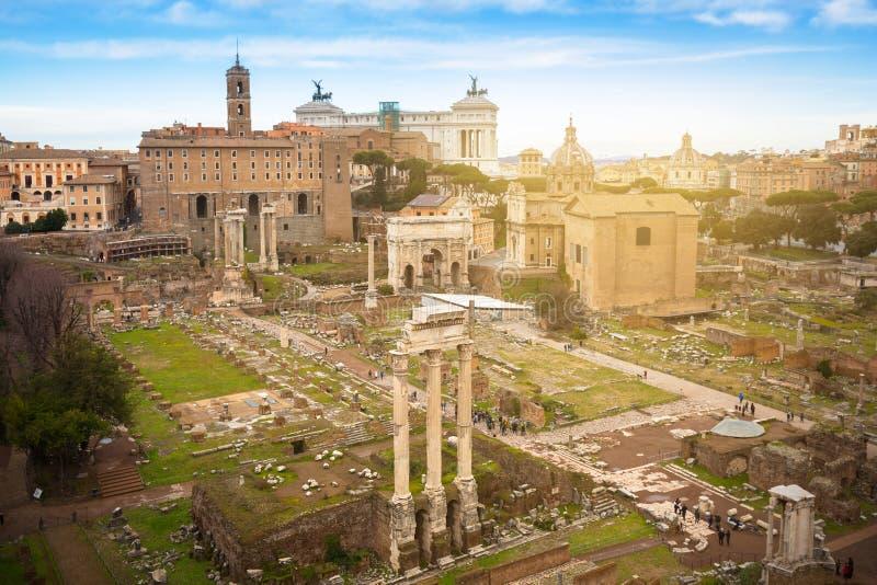 Die Roman Forum-Ansicht, Stadtplatz in altem Rom, Italien stockfotos