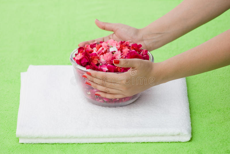 Die rosafarbene Schüssel des Badekurortes stockfoto