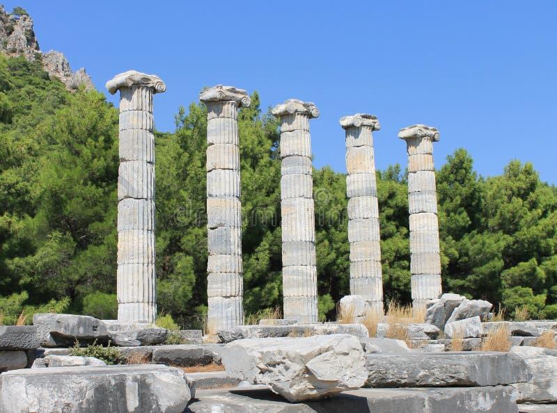 Die Ruinen des Tempels von Athene lizenzfreie stockfotos