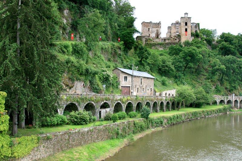 Die Ruinen von Lou Viel Castel in Frankreich stockfotos