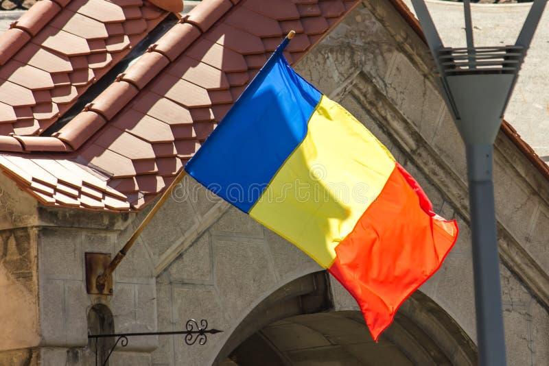 Die rumänische Flagge stockfoto