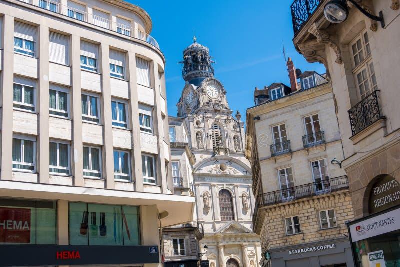 Die Sainte-Croixkirche oder das Eglise Sainte-Croix in der Mitte von Nantes, Frankreich lizenzfreies stockbild
