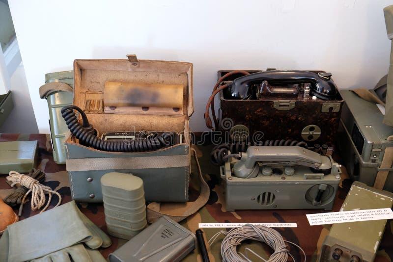 Die Sammlung von den Waffen und von Ausrüstung benutzt während des Krieges für kroatische Unabhängigkeit, Pakrac stockfotografie