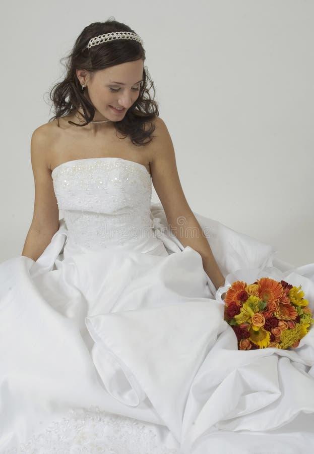 Die schöne Braut lizenzfreie stockbilder