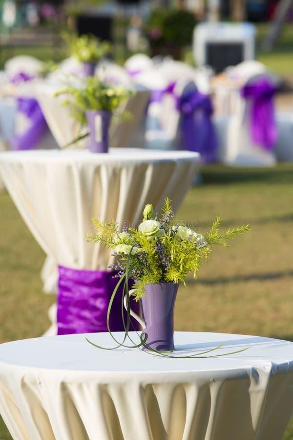Die schönen Blumen in der Hochzeit stockfotografie