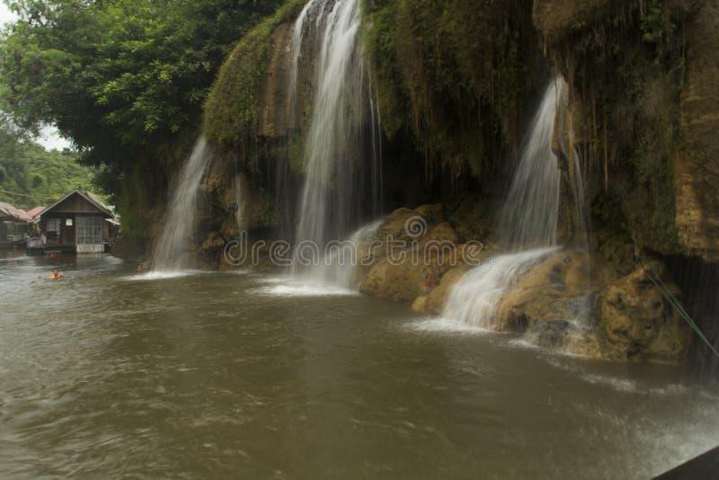 Die Schönheit der Natur und der Wasserfälle stockfotos