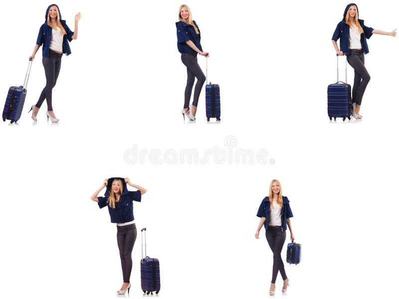 Die Sch?nheit mit Koffer im Ferienkonzept lizenzfreie stockbilder
