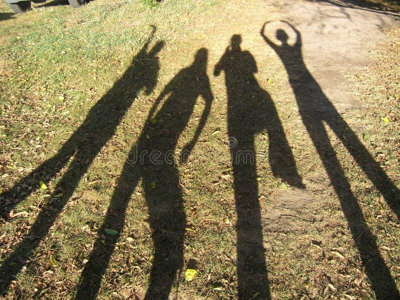 Die Schatten der Freunde stockfotos