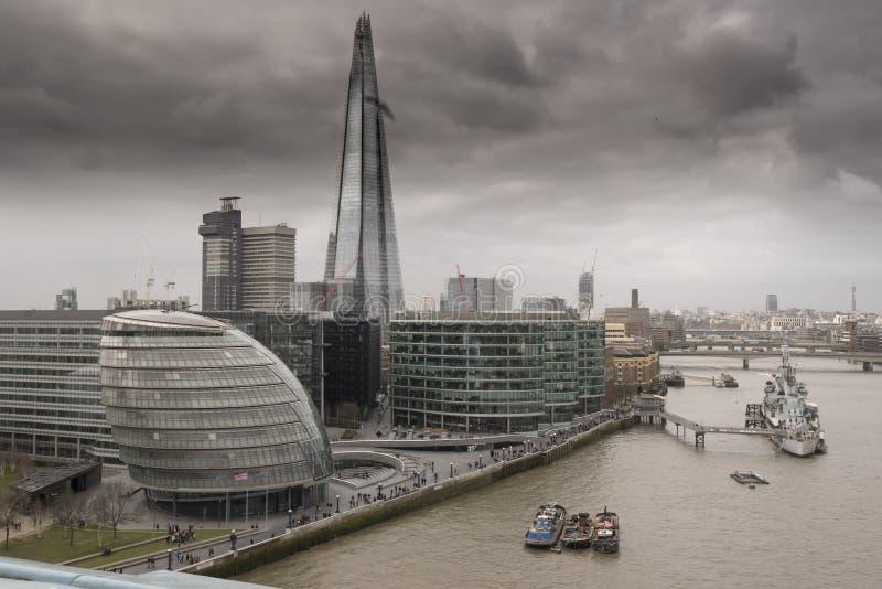 Die Scherbe und die Stadt Hall London stockfotografie