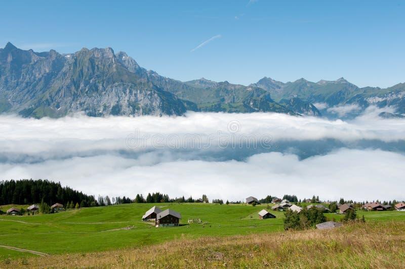 Die Schweiz in den Bergen stockfotos