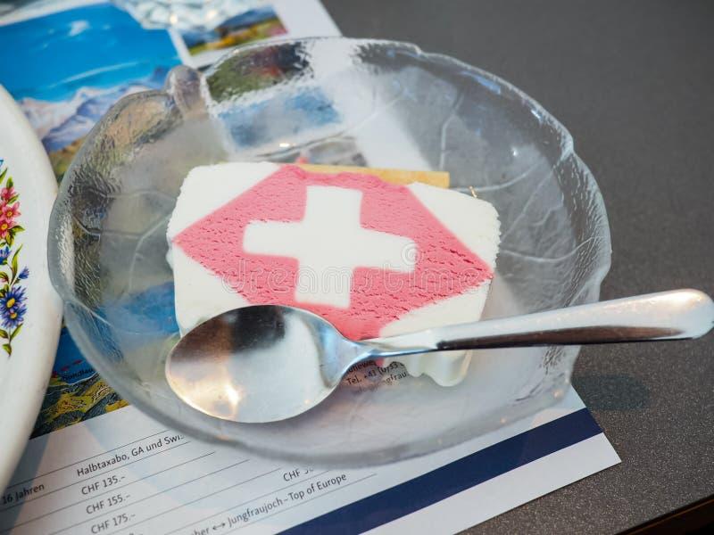Die Schweiz-Markierungsfahne lizenzfreie stockfotografie