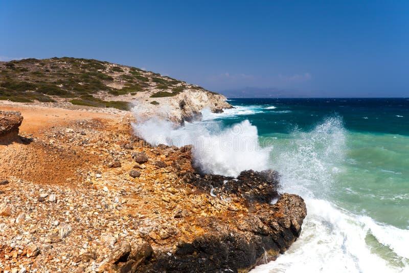 Download Die Seeküste stockfoto. Bild von grün, ozean, küste, landschaften - 27727272