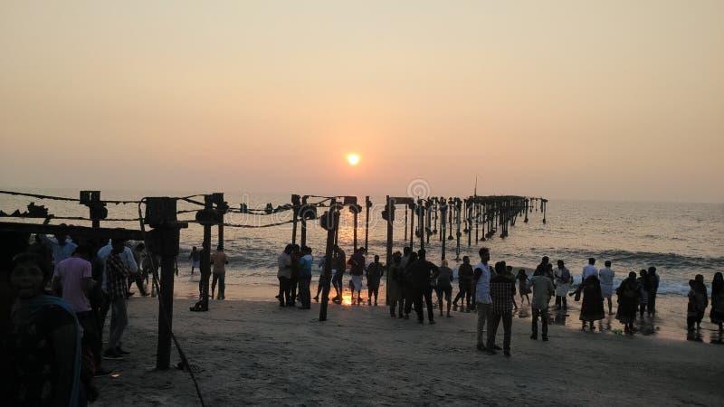 Die Seestrandabend allepey Sonnenuntergang-Orangensonne stockbilder