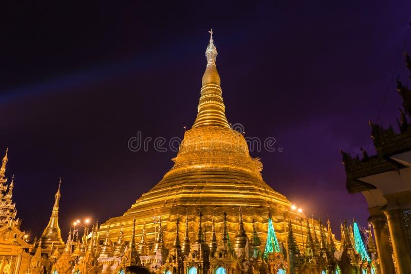 Die Shwedagon-Pagode, Rangun lizenzfreie stockfotos