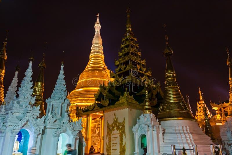 Die Shwedagon-Pagode, Rangun lizenzfreies stockfoto