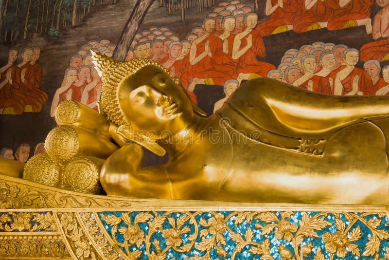 Die Skulptur des stützenden Buddhas Wat Bowonniwet Vihara, Bangkok lizenzfreies stockfoto