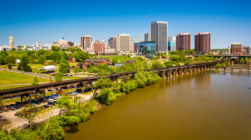 Die Skyline und James River in Richmond, Virginia stockfotografie