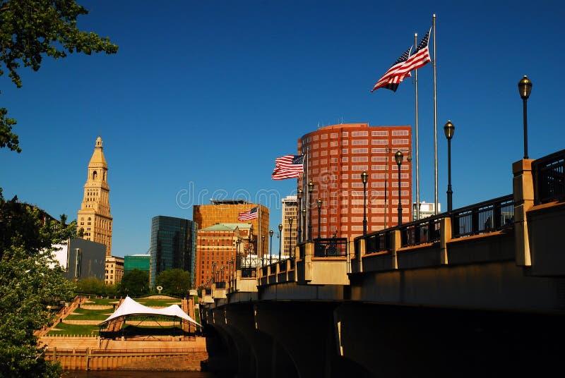 Die Skyline von Hartford Connecticut lizenzfreie stockbilder