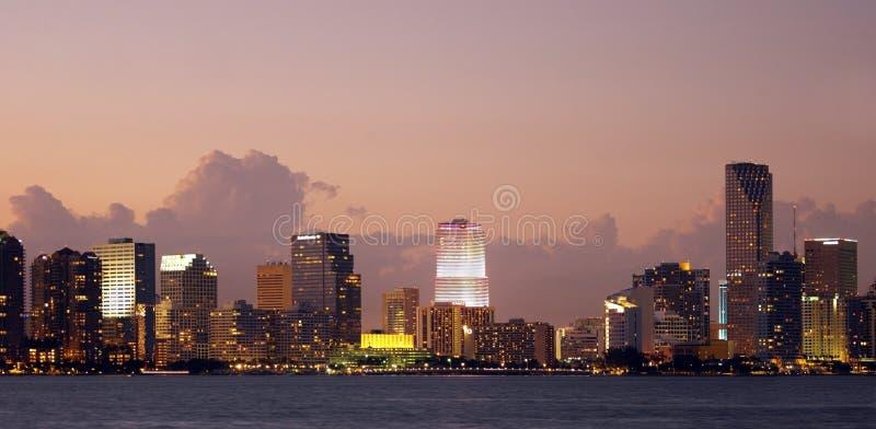 Die Skyline von Miami in Florida stockfotografie