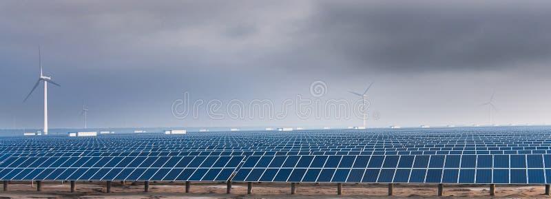 Die Sonnenenergie lizenzfreies stockbild