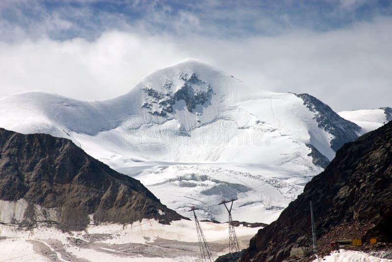Die Spitze von Wildspitze (3.774 m /12, 382 ft) stockfoto