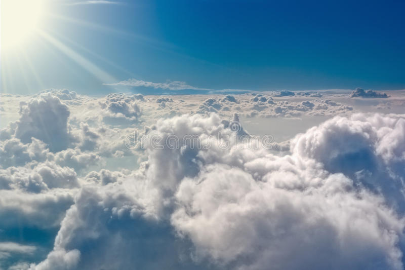 Die stürmischen Wolken stockbild