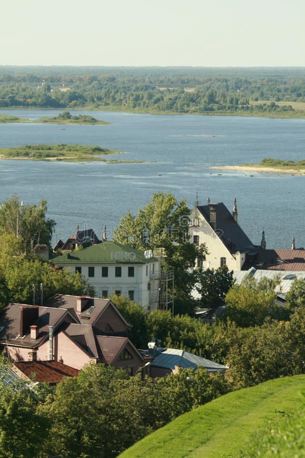 Die Stadt auf dem Fluss Oka lizenzfreie stockfotografie